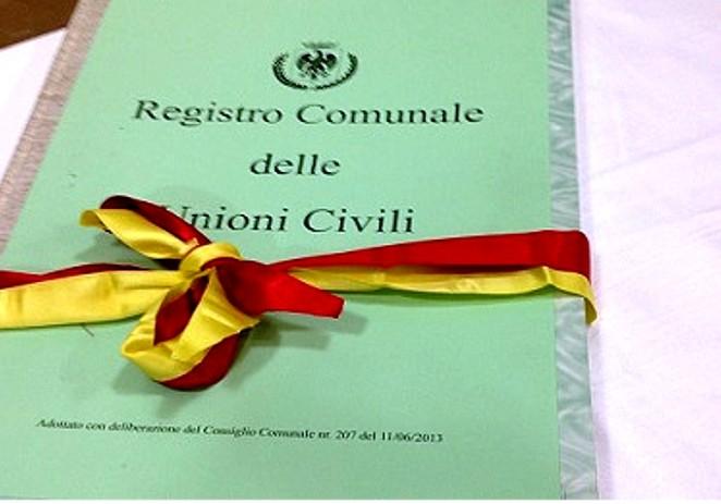 Registro Unioni civili, il Pd rimanda in Commissione la delibera