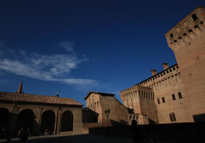 Chiusura centro storico Vignola, il mistero del volantino notturno