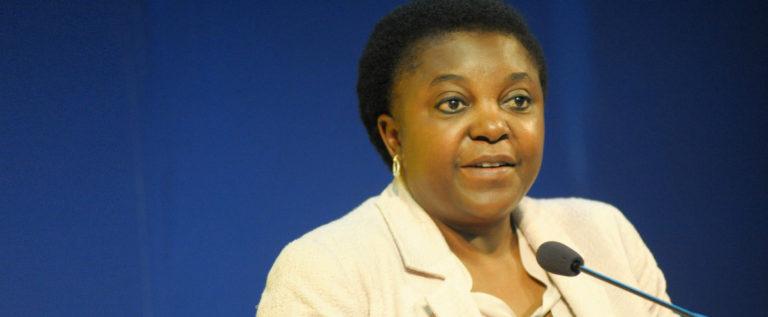 """Kyenge: """"Tagliato costi chiamate internazionali nell'UE e via al 5G"""""""
