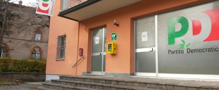 Savignano, il Pd ha installato un defibrillatore davanti propria sede
