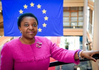 """Kyenge """"Grazie all'Europa tariffe telefonate più basse dall'Italia nell'UE"""""""
